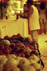 13 (steph_ie) Tags: frutas fruit feira grapes emfloripa stephaniebastos