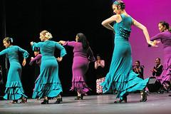Al Mosaico Flamenco -  foto: Yvonne Chew (Lunares flamenco) Tags: flamenco lunares flamencoskirts dancingflamenco saiasdeflamenco