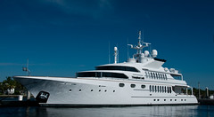 """Triumphant Lady"" - Motor Yacht (Timothy Wildey) Tags: fortlauderdale motoryacht intercoastalwaterway bahiamarmarina browardcountyflorida"