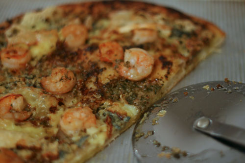 What Food Bloggers Eat: Pesto Shrimp Scampi Pizza