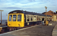 Cleethorpes Station - August 1990 (Neil Pulling) Tags: seaside br lincolnshire britishrail cleethorpes humber dmu northlincolnshire class108 eastlincs