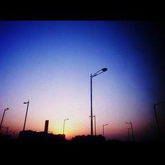 30/01/2009 (shotam) Tags: blue sunset sky orange silhouette evening airport korea seoul grdigital ricoh 2009 lightpole magichour businesstrip grd pentacom grd2 toycamera34plugin