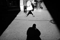* (Mario Profili) Tags: street winter light shadow people white black roma strada colore faces ombra expressions mario persone cielo inverno riflessi freddo luce facce giorno profili espressioni 20090221 marioprofili pleasenogifincomments pleasenobanneroncomments pleasenoglittersoncomments