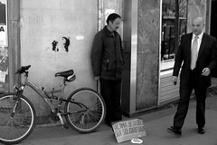 Crsis?Qu crsis?/Crisis? What crisis? (Joe Lomas) Tags: poverty madrid street leica urban blackandwhite abandoned blancoynegro bike bicycle fotosencadenadas candid poor bicicleta need bici reality streetphoto urbano pobre ejecutivo crisis indigente mendigo lastima beggars alms pobreza indigencia urbanphoto realidad sintecho callejero poorness streetbike limosna necesidad robados barriodesalamanca realphoto indigence limosnero fotourbana fotoenlacalle fotoreal streetlevelphoto photostakenwithaleica leicaphoto bicienlacalle biciencadenada