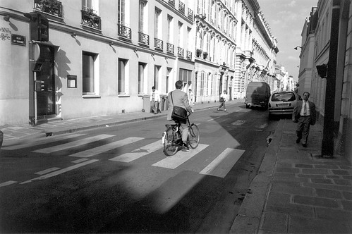business suit bicycle rider, Paris
