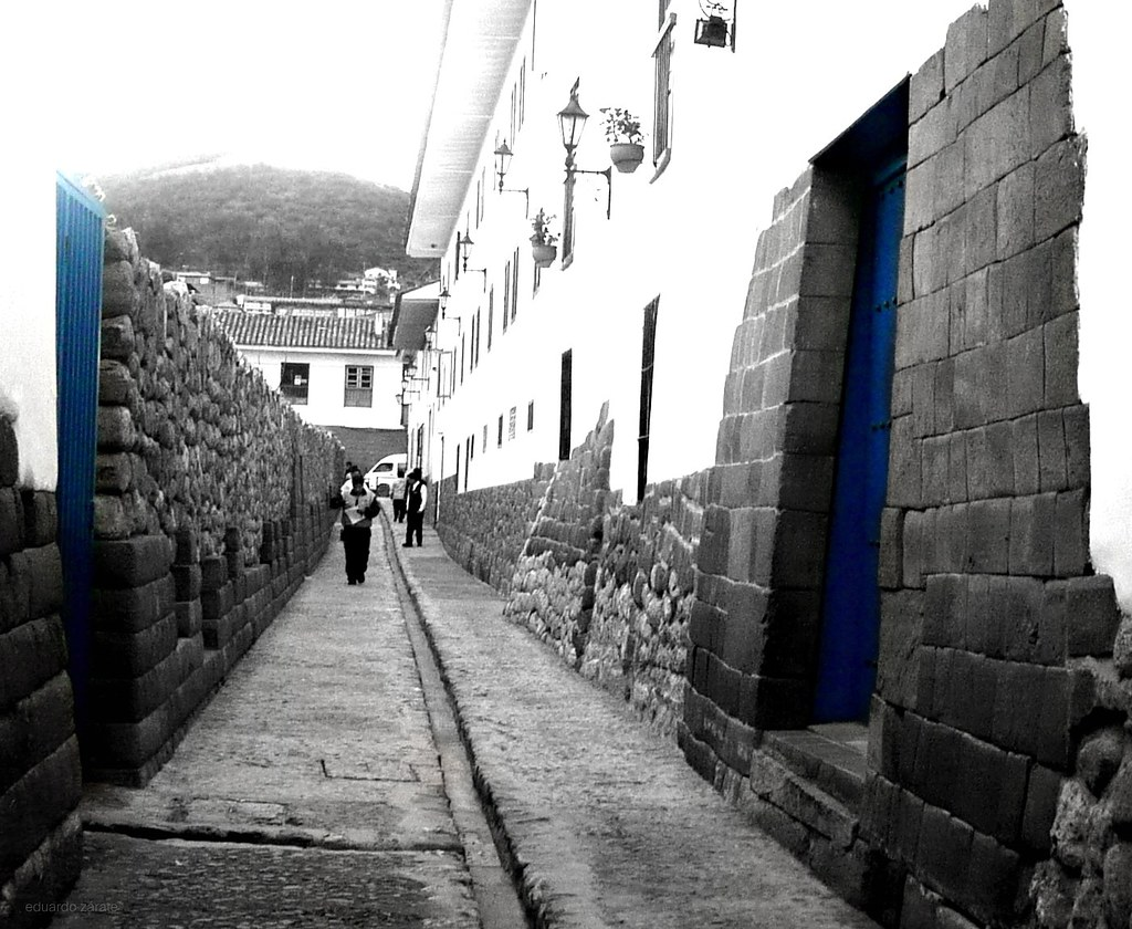 Ancient opposing blues, Cusco