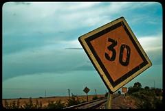 Sin noticias de nadie... (InVa10) Tags: blue españa portugal field yellow azul clouds train canon square tren eos spain traffic border via badajoz amarillo nubes campo signal frontera horizont horizonte señal trafico thirty cuadrado treinta signaling señalizacion inva 450d