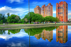Parque Marinha do Brasil | HDR (Omar Junior) Tags: parque pordosol sky cloud fish color reflection tree sol water colors espelho brasil clouds reflections cores geotagged mirror high agua do dynamic pentax portoalegre cu porto junior nuvens praa imaging arvore alegre o
