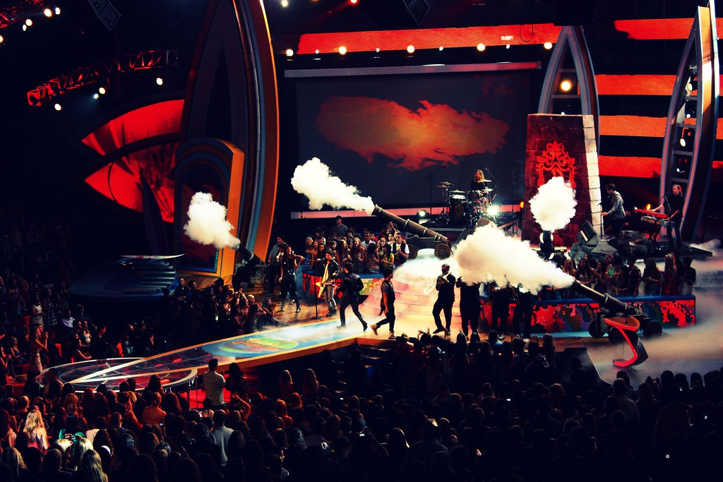 Jonas Brothers - 2009 Teen Choice Awards - Universal - August 9th