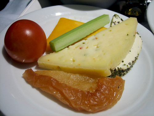 Lufthansa - Cheese and Fruit