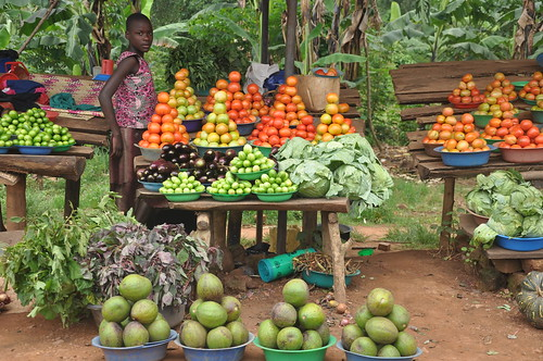 Roadside fruit&veg in Uganda
