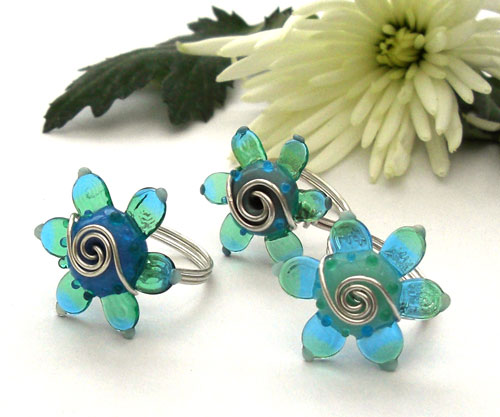 Wire-wrapped Daisy rings