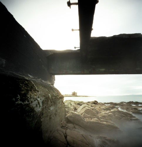 Pinhole image below the pier 05Feb09