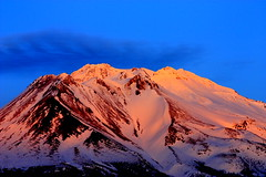 Warmth (prdigy001) Tags: california county sunset mountain northerncalifornia volcano weed glow mt mount shasta alpen northern mountshasta siskiyou mtshasta active alpenglow siskiyoucounty goldengarden worldtrekker northerncaliforniaphotographers