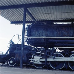 Largest Locomotive - Rolleicord Va (Alan Yahnke) Tags: camera 120 6x6 film rollei train mediumformat iso400 squareformat shutter epson locomotive expired perfection expiredfilm xenar rolleicord schneiderkreuznach v750 rolleicordva autaut synchrocompurshutter epsonv750 synchrocompur epsonperfectionv750 epsonv750scanner konica400pro rolleicordvatype2 alanyahnke konicanh120