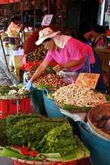 Marked, thai style (Aasprong Photography) Tags: food canon thailand eos colours market fresh chiangmai cheap 400d canoneos400d runeaasp runea aasprongphotography
