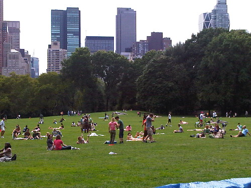 Drew Barrymore (pink shirt) shoots a movie scene in Central Park