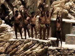 Con las manos en alto (Hotu Matua) Tags: people men leute acapulco diver mensch uomini clavadista