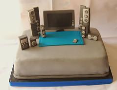 Home Theater (Mariana Pugliese) Tags: alfombra cake azul gris tv control geek negro tele plasma hometheater lcd cumpleaños torta tecnologia equipo controlremoto parlantes 241543903 marianapugliese