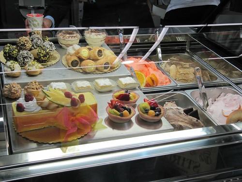 gelato case
