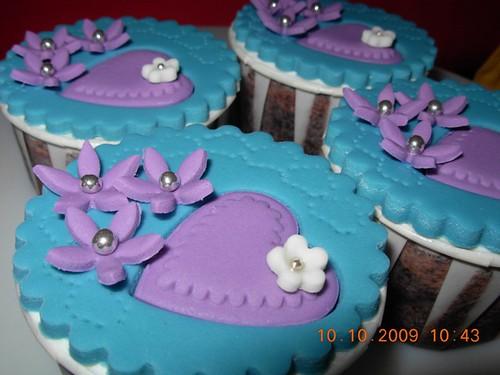 hantaran wedding gift cupcake turquoise purple theme requested by adamia