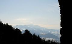 LA PORTA DEI SOGNI (Maria Grazia Marrulli) Tags: alberi italia nuvole cielo neve porte inverno viaggio controluce colline emiliaromagna feedsuiviaggi
