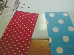 044 (super_ziper) Tags: flowers flores diy quilt sewing flor steps craft sew super bolinhas fabric patch dots patchwork tutorial pap maquina tecido ziper costura iniciantes passoapasso façavocêmesmo superziper divania