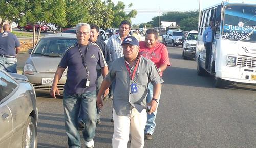 Iván Freites y otros directivos sindicales en la caravana