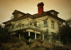 Haunted House, Astoria (Little Lioness) Tags: old house brick abandoned window oregon coast eerie historic haunted creepy astoria mementomori curtains ghosts decayed hauntedhouse astoriaoregon moldy thegoonies goonieshouse hauntedhousesphotos haryflavelhouse harryflavelhouse astoriaorhouse houseinastoria thatonehouse