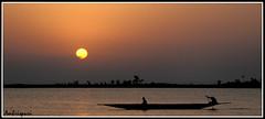 21-Atardecer en el Ro Nger. (Ambrispuri) Tags: africa water atardecer agua fishermen dusk mali pescadores tradicion tradiction ronger ambrispuri