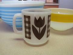 Glasbake (twin72) Tags: brown vintage gingham tulip mug glasbake milkglass