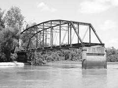 Old US 96 Bridge over Neches River, Evadale, Texas 0804091149BW (Patrick Feller) Tags: bridge b blackandwhite bw white black abandoned river blackwhite texas w historic neches truss throughtruss evadale pontist