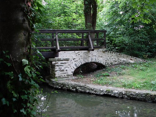 Lovely little bridge à côté de Melun