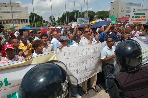Marcha cooperativista al Congreso Nacional