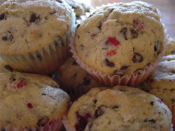 strawberry-cheesecake-muffins