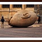4 - 14 septembre  2009 Paris Près de Saint-Eustache Statue Tête (1986) de Henri de Miller (1953-1999) thumbnail