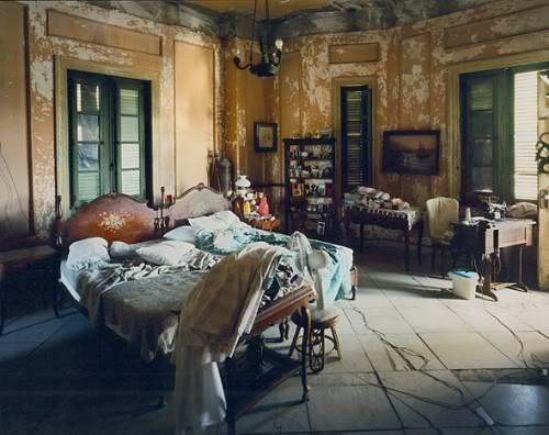 vintage room, vintage bed, headboards, beds, peeling walls, rustic decor, bohemian decor, bed room, Eclectic bedroom