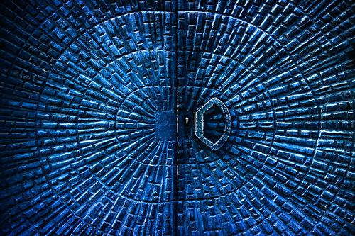 The Blue Pattern Door by kwerfeldein.