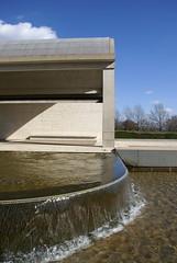 DSC06771 (hellothomas) Tags: water concrete texas arch travertine fortworth louiskahn kimbellartmuseum