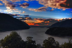 Sky of West Point Evening (Wei Zhang@Hudson) Tags: cloud sunshine river army hudsonriver hudson soe westpoint zhangwei armyacademy