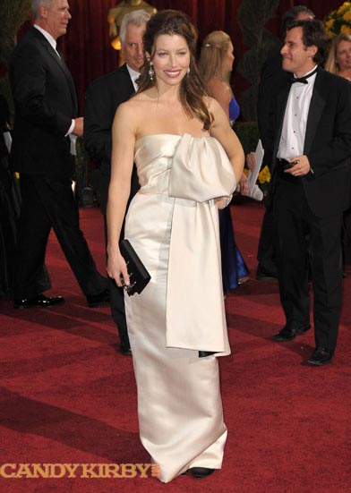Jessica Biel Wearing a Beige Dress at the 2009 Oscars