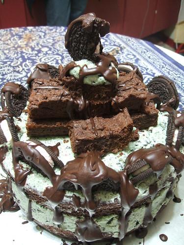 browniechunkmintcookiesncreamcake 013