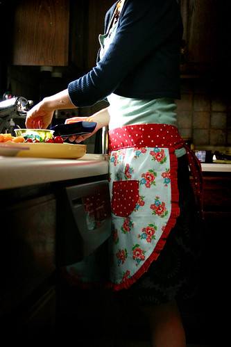 Cottage Chic Reversible Apron Tutorial Skip To My Lou