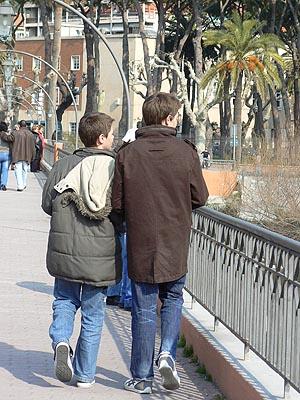 paule t clem sur le pont .jpg
