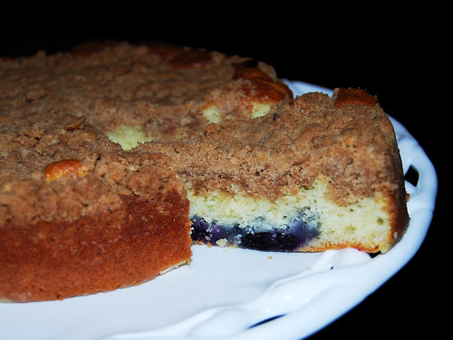 blue berry sour cream crumb cake