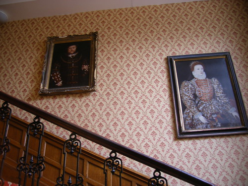 Oatlands Park Hotel - portraits of Henry VIII and Elizabeth I