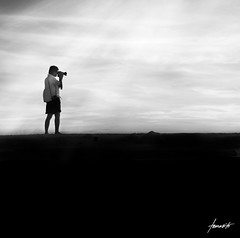 This Photographer's Light. (Tomasito.!) Tags: light silhouette photographer surreal naturallight conceptual rayoflight tomasito 500x500 d90 nikond90