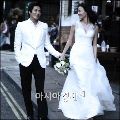 Korea Actress Son Tae Young and Kwon Sang Woo' Sweet Wedding Dress - beautiful girls