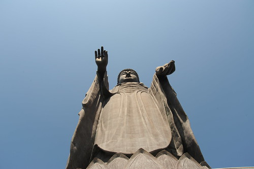 Daibutsu from below