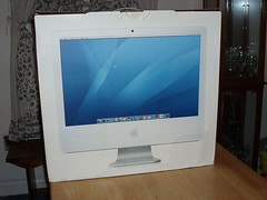 Apple imac 24 inch desktop (suksawat) Tags: desktop apple mac inch imac os 24